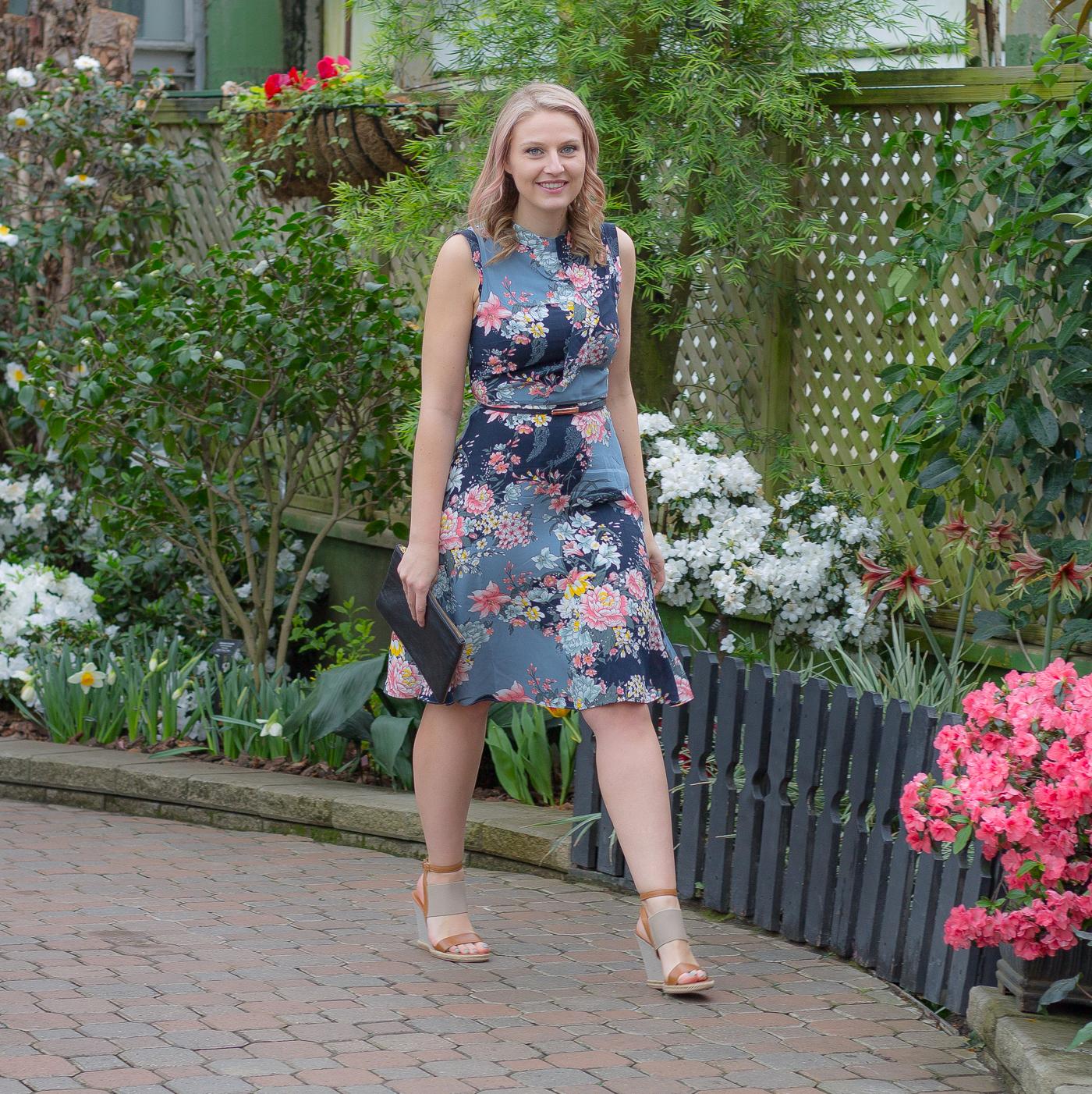 How to wear a kimono style floral dress this spring season