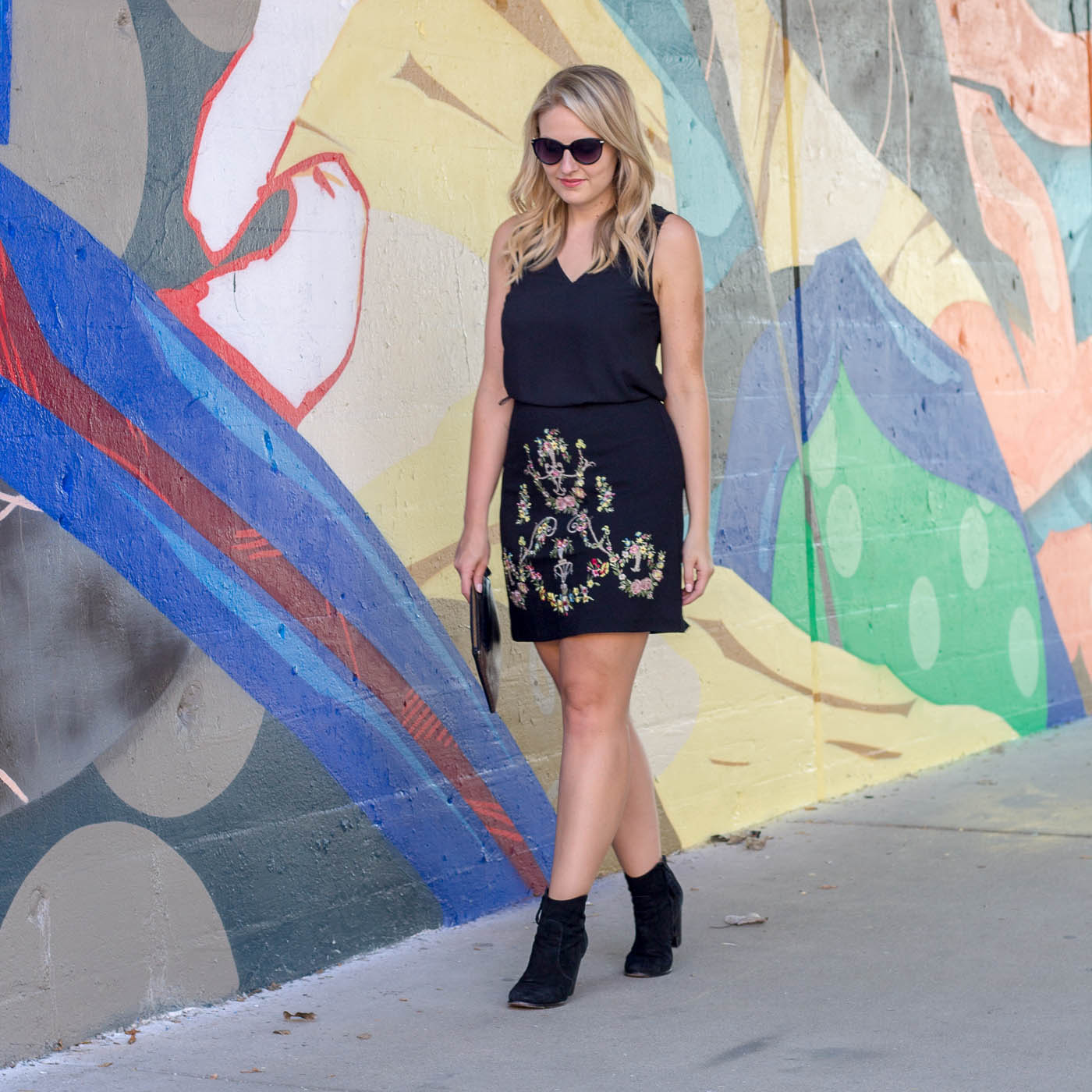 A easy fall outfit with a embroidery skirt and yellow leather jacket